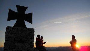 Sonnenaufgangswanderung, Gruppe am Gartnerkofel, (c) NLW Tourismus