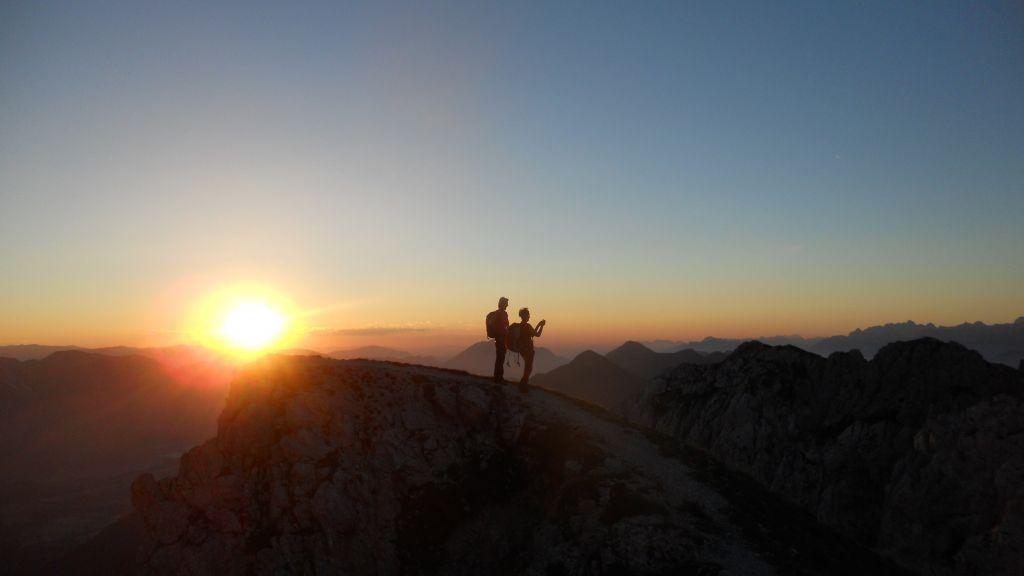 Sonnenaufgangswanderung, Paar am Gartnerkofel, (c) NLW Tourismus