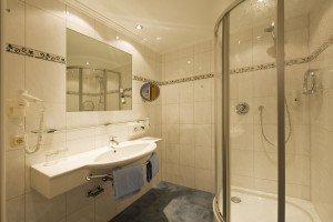Badezimmer im Hotel Gratz