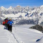 Schneeschuhwanderer auf dem Rossfeld, Martin-Huber