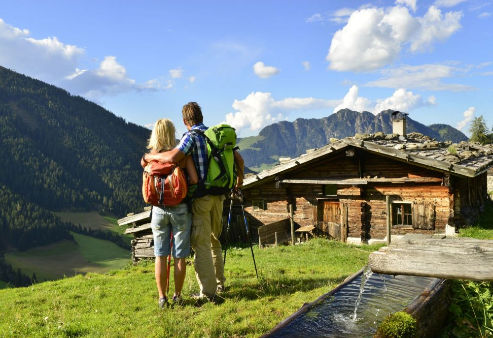 Wanderpaar bei Stettauer Alm, © Alpbachtal-Seenland Tourismus