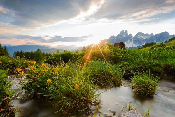 Sonnenuntergang mit Bischofsmütze im Hintergrund, © Coen Weesjes