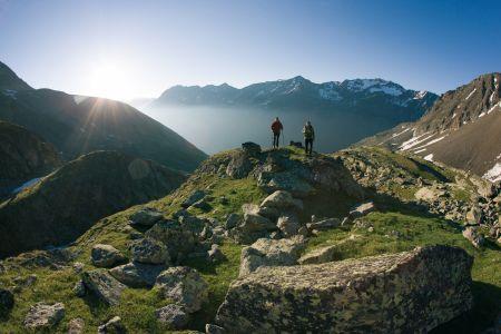 Wanderer am Venter Höhenweg, © Ötztal Tourismus, Bernd Ritschel