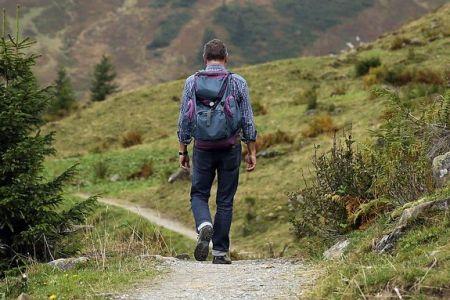Entsprechendes Equipment ist auf Wandertouren ebenfalls sehr hilfreich, © Hermann (CC0-Lizenz), pixabay-com