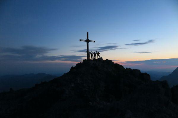 Sonnenaufgangswanderung, Gipfel Mohnenfluh, © Lech Zürs Tourismus GmbH