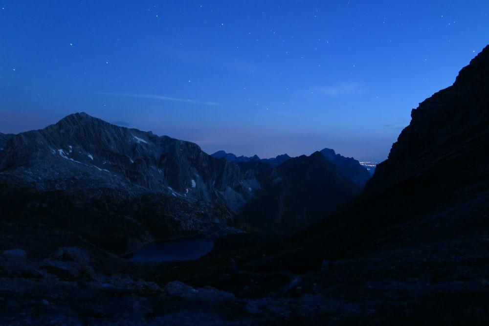 Die Sterne und der Mond leuchten, © Lech Zürs Tourismus GmbH