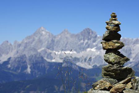 Berge Dachstein mit Steinmandl, pixabay.com