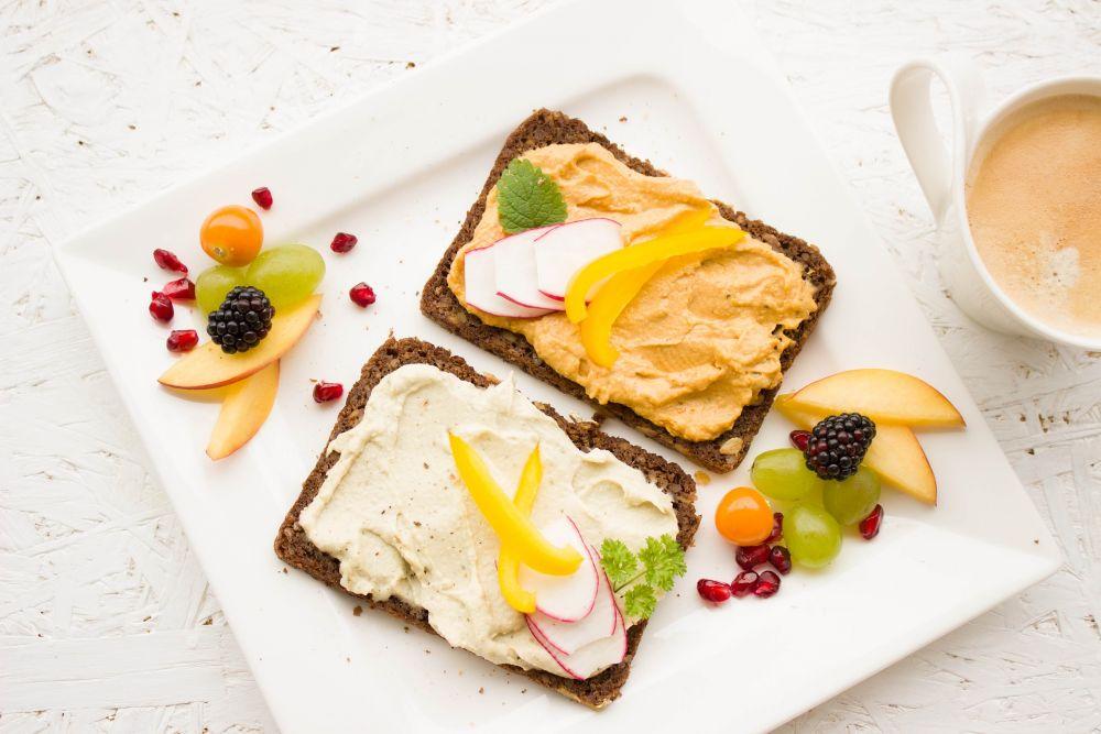 Gesundes Brot mit Käseaufstrich, pixabay