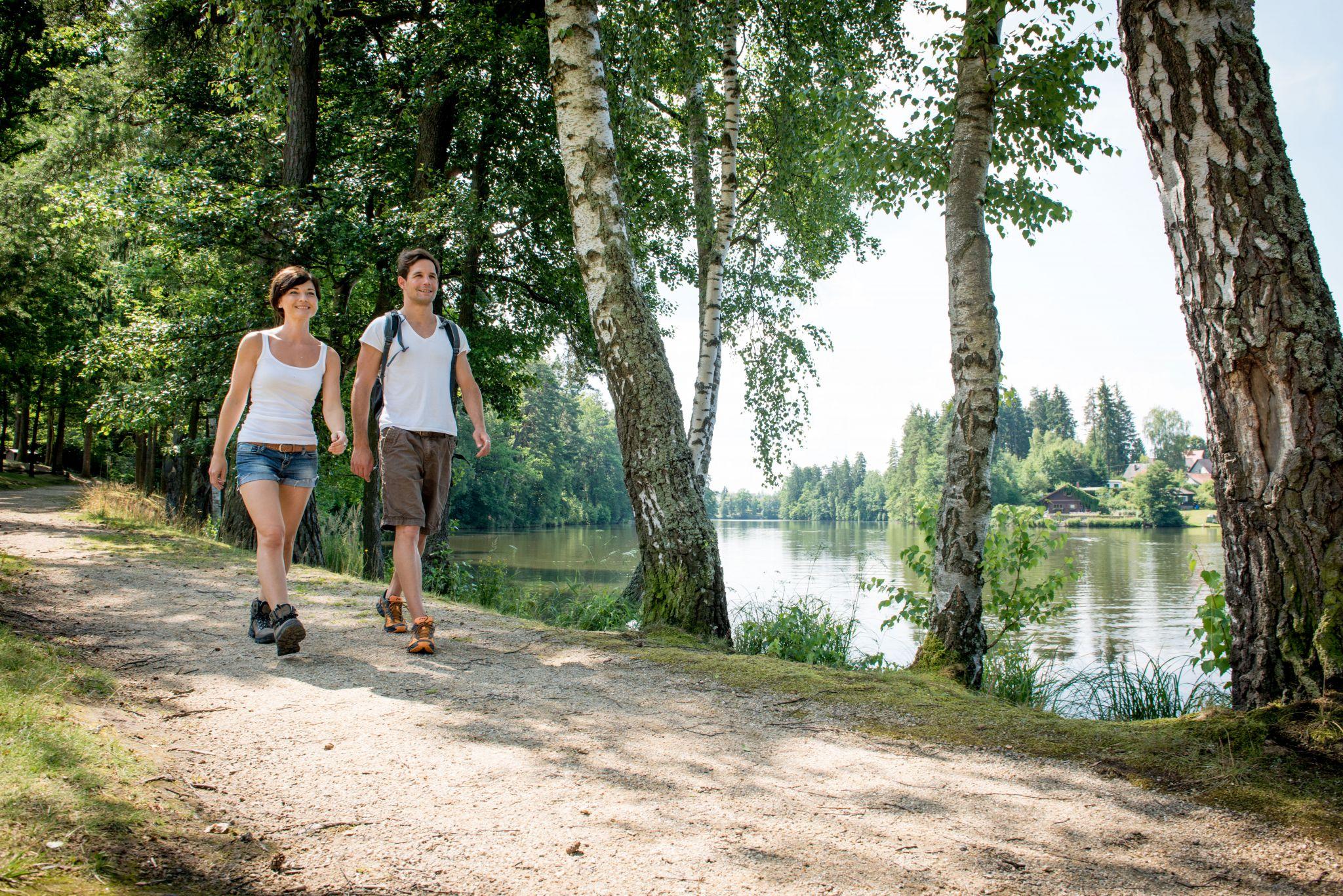 Kurztext LainsitzHauptsujet_Genusswandern_(c) Waldviertel Tourismus_www.ishootpeople.at