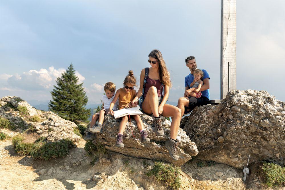 Familienwanderung-Hochhäderich ©Johannes-Fink-Bregenzerwald-Tourismus