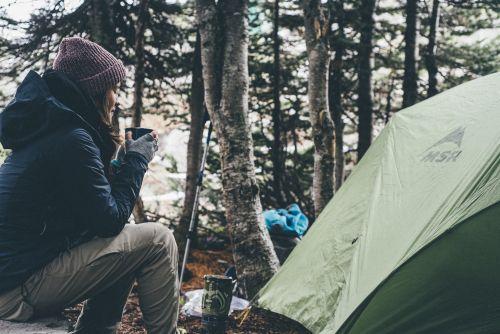 Frau im Wald, Camping, Pixabay