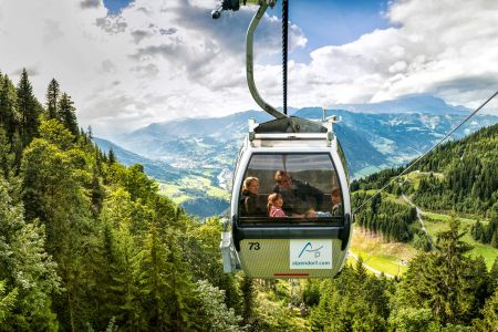 Gondel Geisterberg (c) Tourismusverband Sankt Johann-Alpendorf