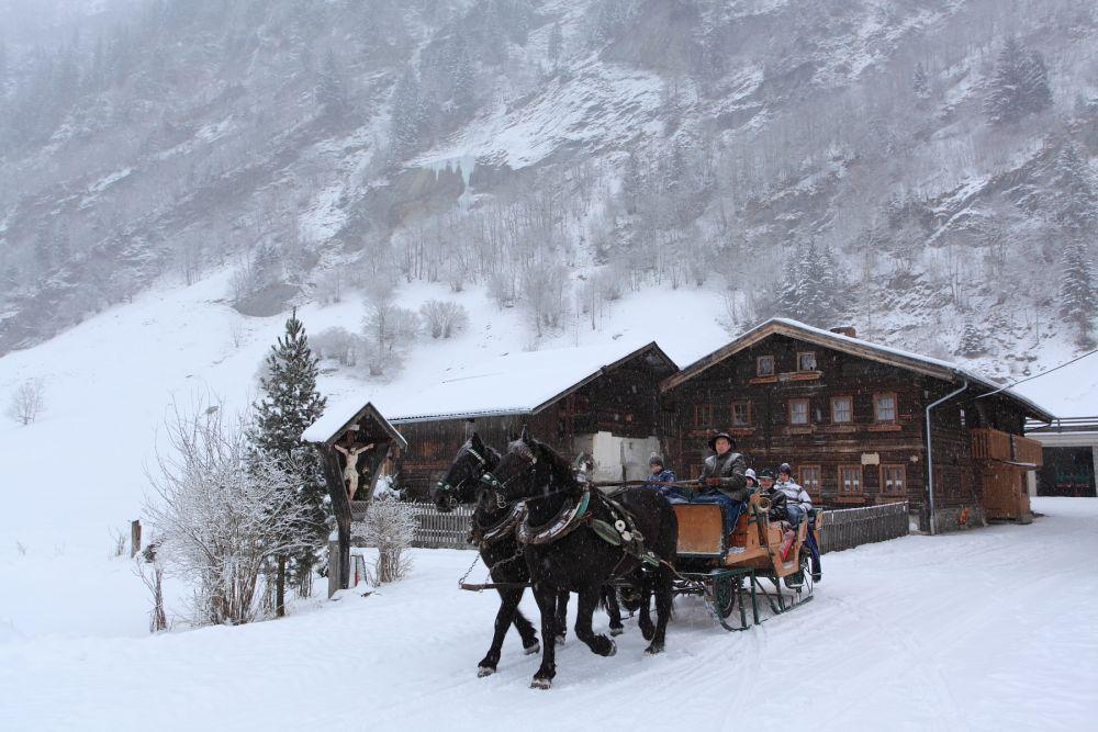 Pferdeschlittenfahrt-huettschlag-advent © www.grossarltal.info