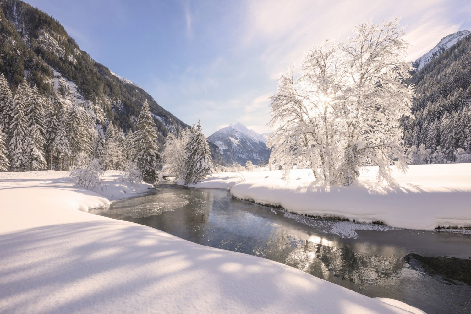 Winterszenerie entlang des Winterwanderwegs im Untertal