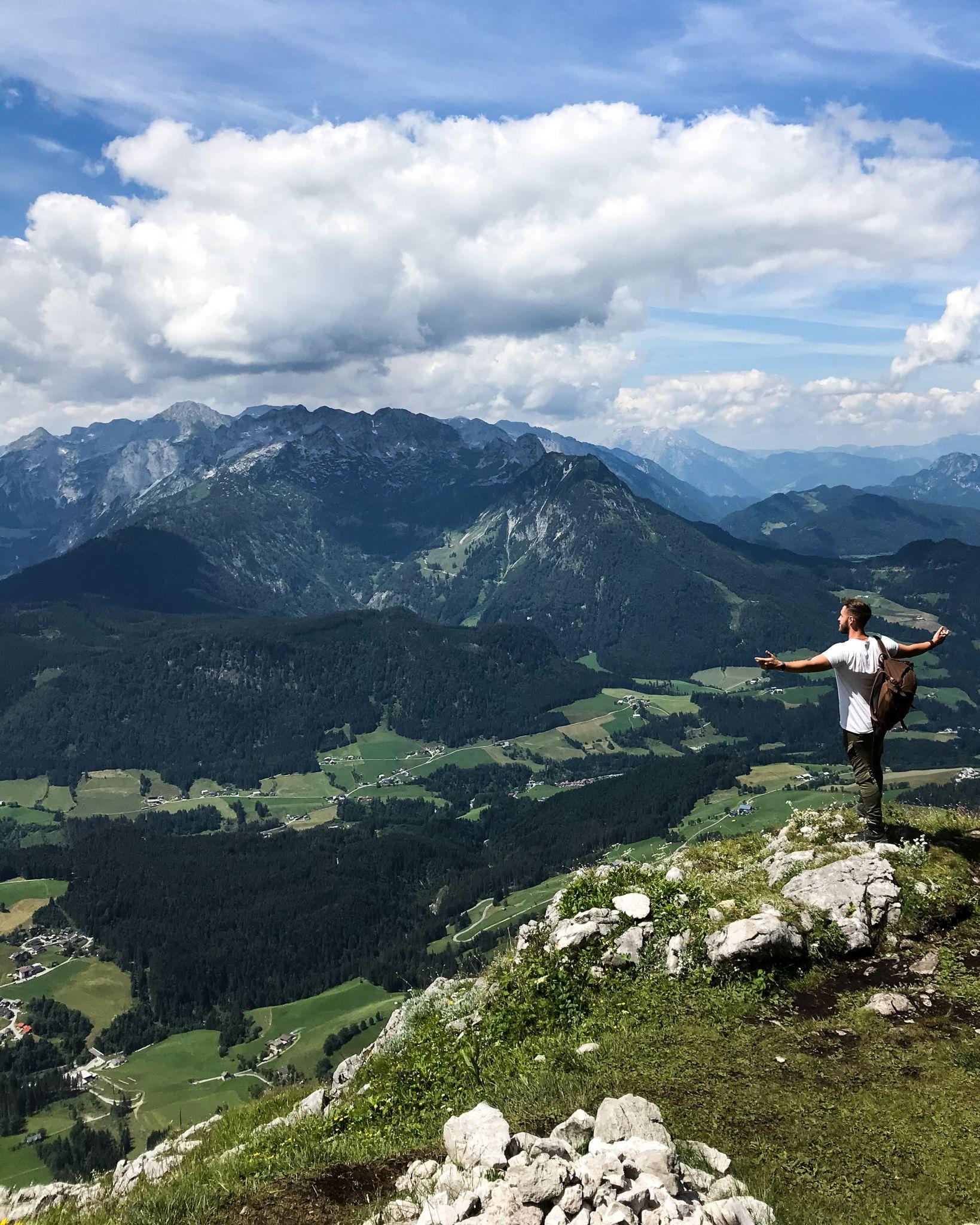 Wundervolle-Aussicht-auf-dem-Weg-zum-Donnerkogel-Annaberg-Lungötz-©Patrick-Herr