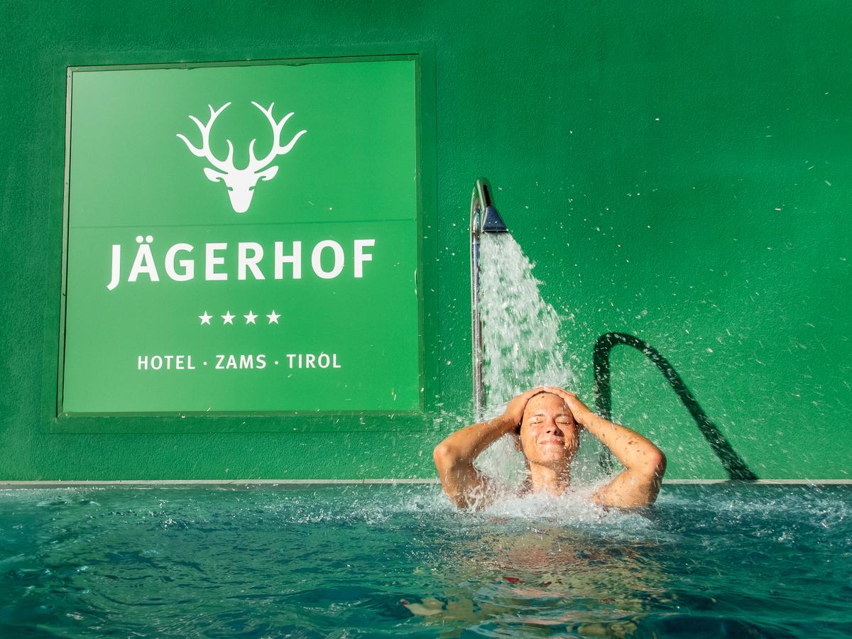 #5 Entspannen im Außenpool des Hotel Jägerhof