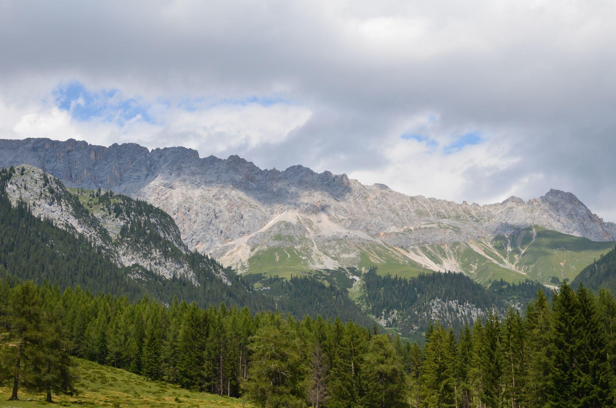Gaistal_Blick_aufs_Wettersteingebirge_Olympiaregion_Seefeld_(c)_bea_froehlich
