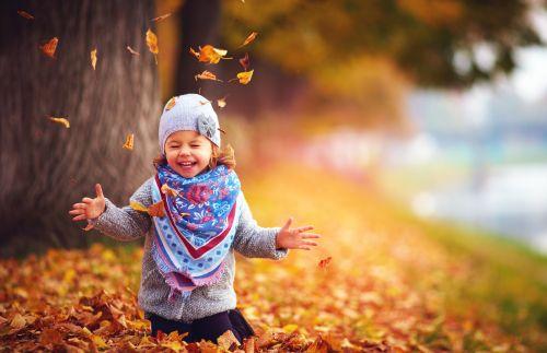 Spielen im Herbst © shutterstock