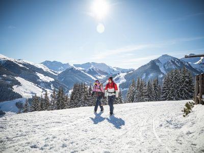 saalbach-winter-winterwandern © Saalbach Hinterglemm, mirja-geh