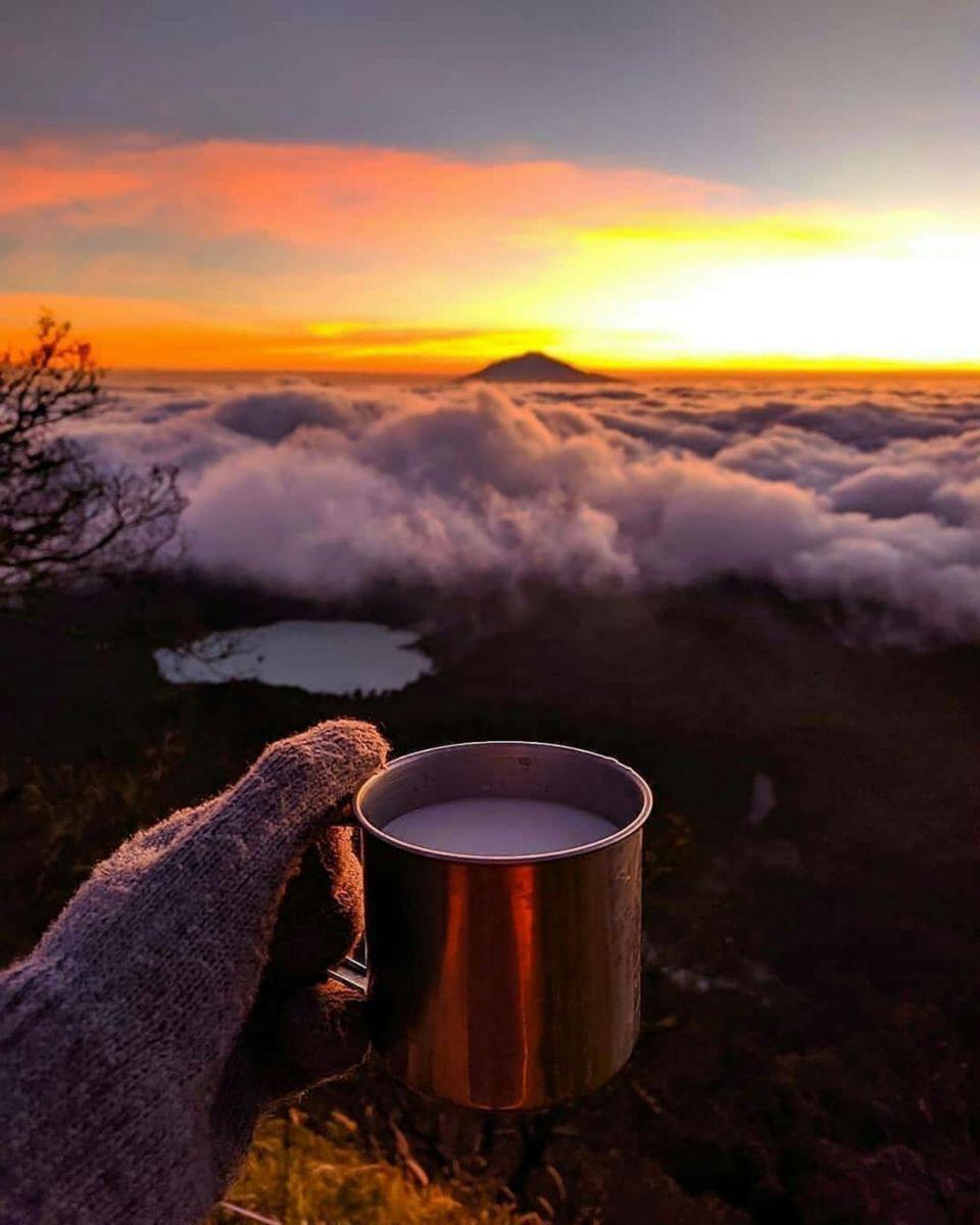 Kaffee über den Wolken © shutterstock