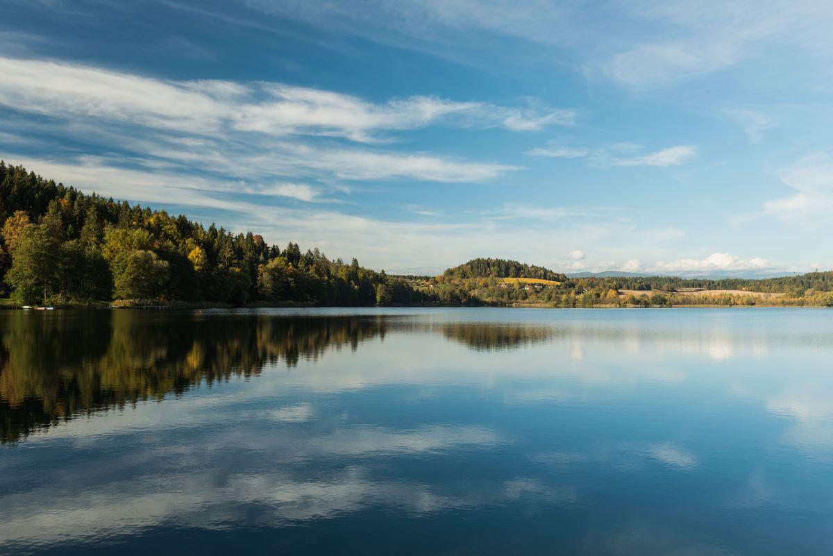 Längsee Herbst_Seen_Stift St. Georgen © Region Mittelkärnten