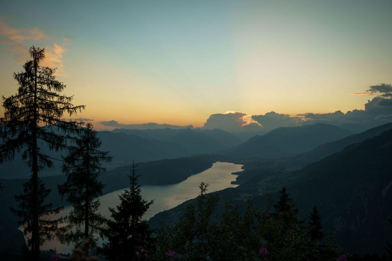 #1 Sonnenuntergang auf halbem Weg zum Gipfel Minrock
